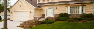 Two-Story Cottage - cul de sac - Neighborhood