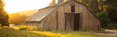 Ragwing Barn - Northwest Facing - Wooden Barn - Sunset